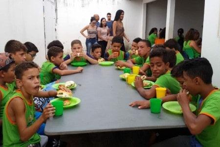 O projeto Isac oferece cursos e distribui cestas para as famílias carentes da região Sul de Montes Claros